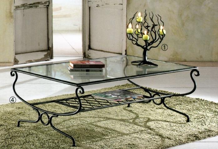 table basse en fer forgé et en verre