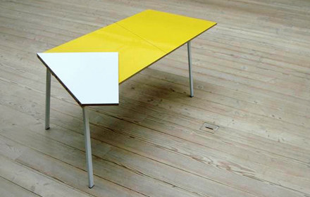 Unfold-table-Mathilde-Witt-Molholm-01