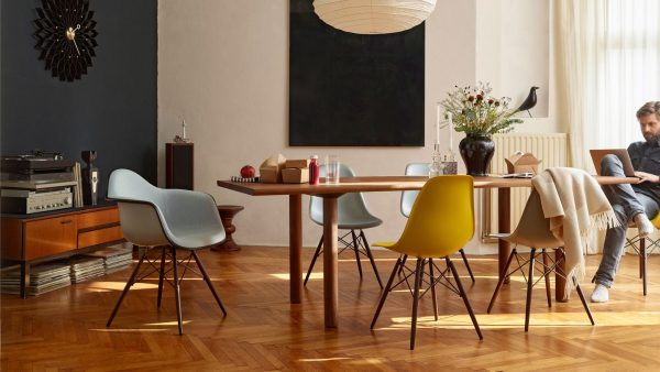 Chaise Eames DSW Vitra